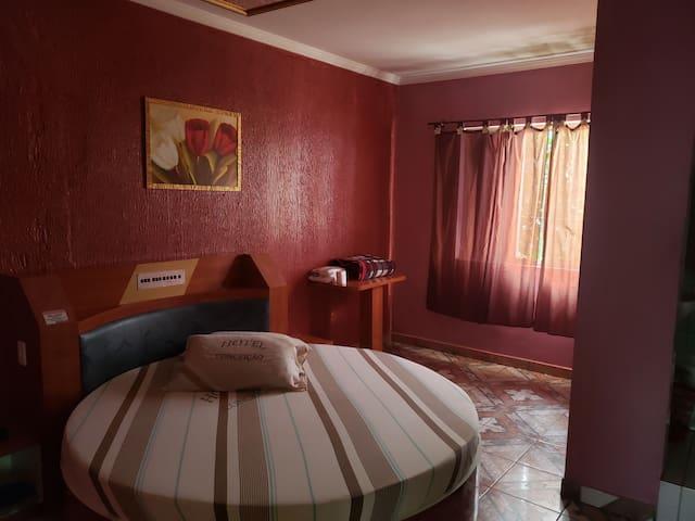 Suíte confortável e barata em Hotel para 3 pessoas