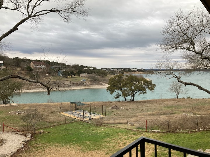 Tranquil Cove- Canyon Lake waterfront, book your getaway now!