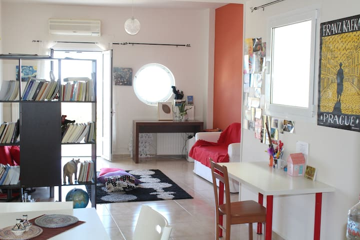 Cosy Apartment, 3 min walk from the beach