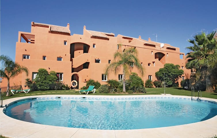 Holiday apartment with 2 bedrooms on 90m² in Marbella-Elviria