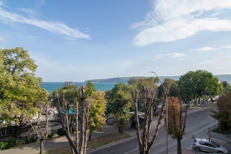 Beachfront Seaview Flat ☸Top Spot ☸ By the Port