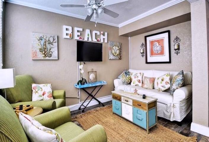 Beachy Chic - #1 in the nation: Clearwater Beach - Clearwater - Wohnung
