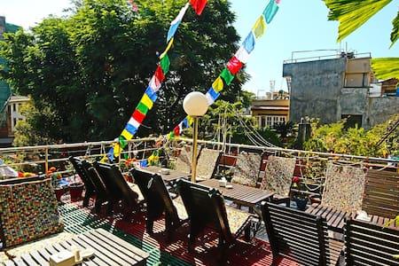 Shangri-la Boutique Thamel Private Room - Kathmandu - Bed & Breakfast