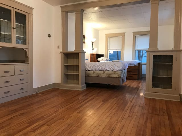 #1R B3 double room with 2 twin beds in Worcestet