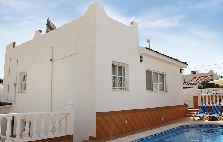 Holiday cottage with 3 bedrooms on 120 m² in San Miguel de Salinas