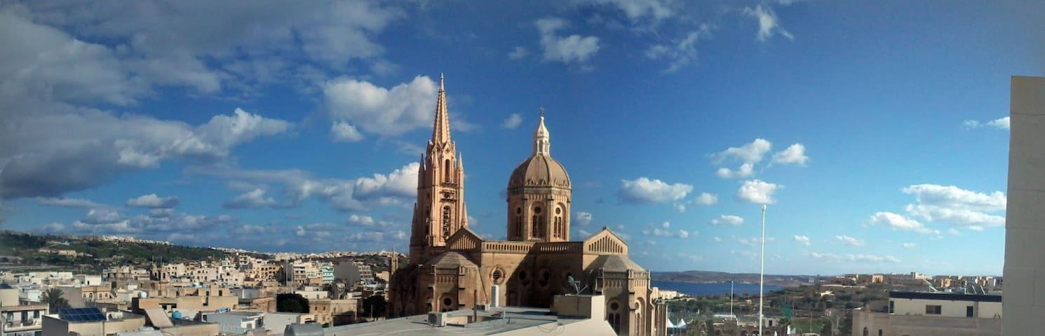 Spring, Sunny, Warm Private Home Gozo!