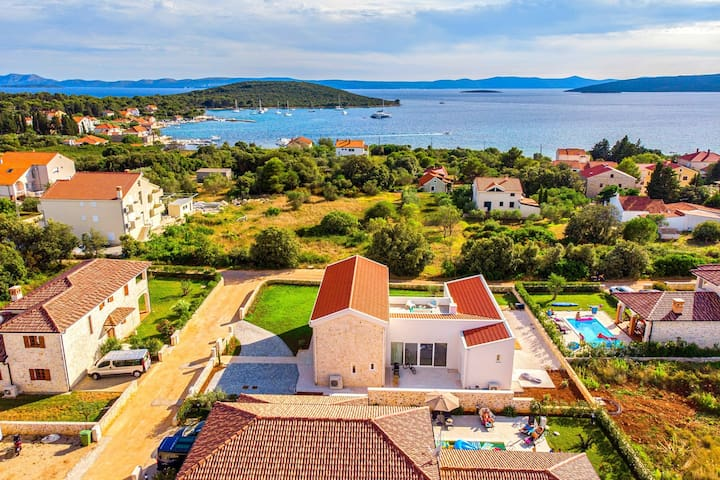 Beautiful Villa Vela Muline, in Dalmatia