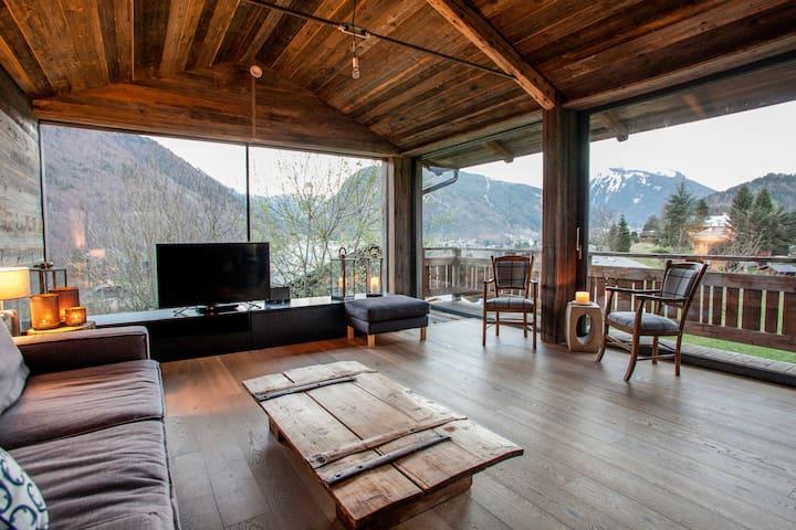 Unique loft-style chalet with amazing views