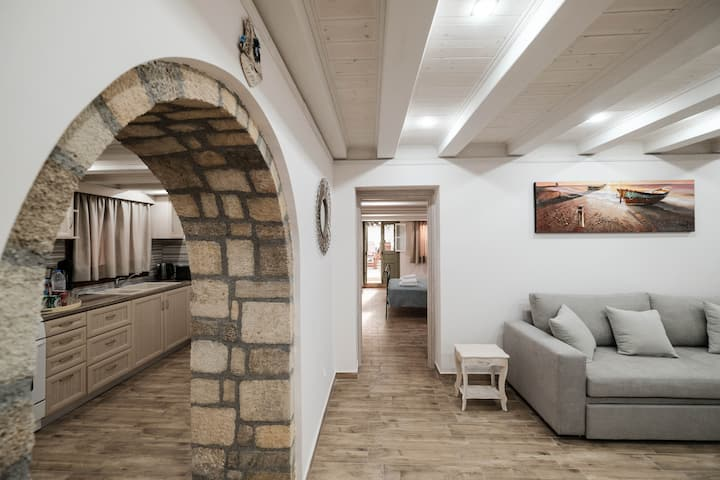 Beautiful and Renovated apartment in the Old Town
