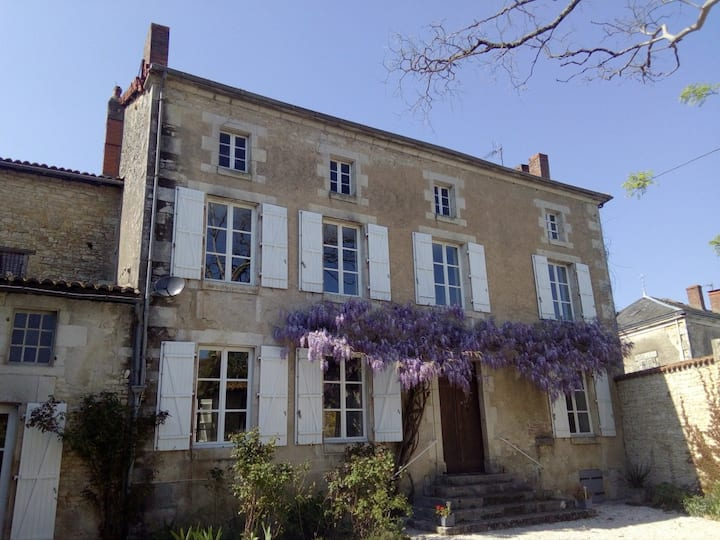 Beautiful Maison Bourgeoise with views