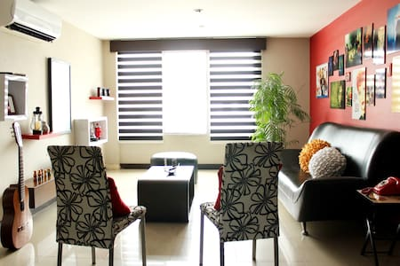 Room type: Entire home/apt Bed type: Real Bed Property type: Apartment Accommodates: 2 Bedrooms: 1 Bathrooms: 2