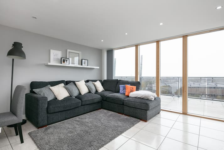 Skyline Penthouse Apartment - Stretford - Appartement