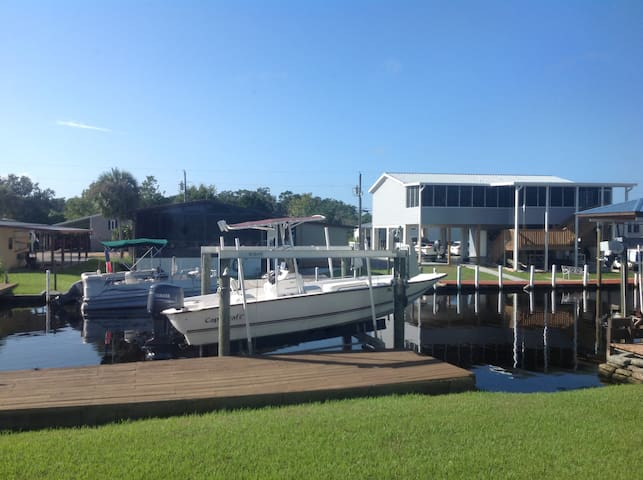 Beautiful waterfront home - Homosassa - Dom