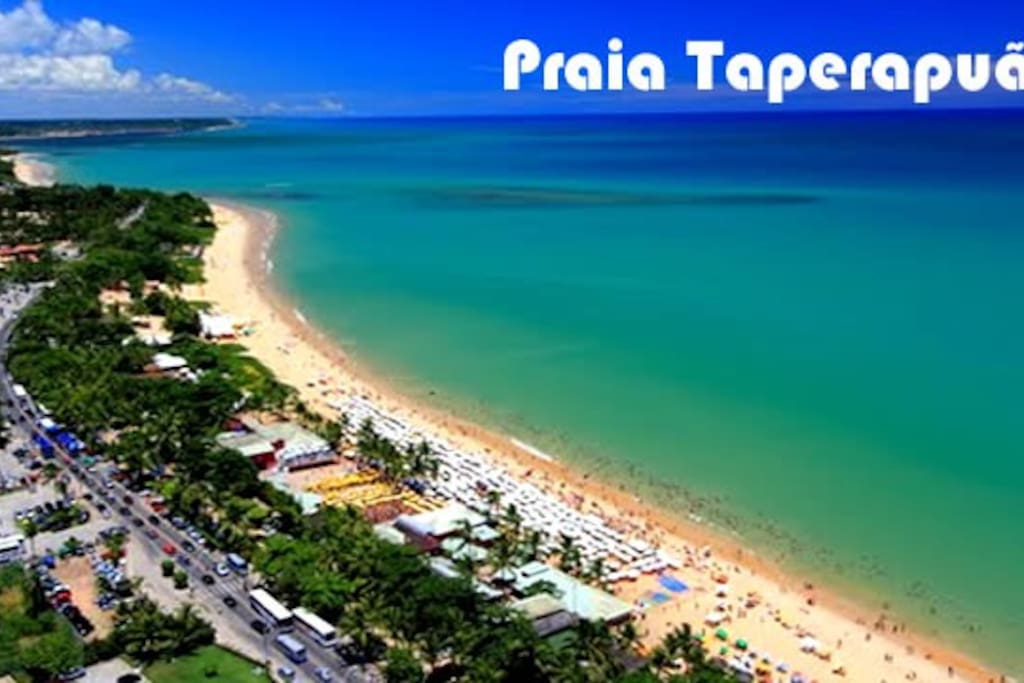 Vista aérea da Praia de Taperapuan