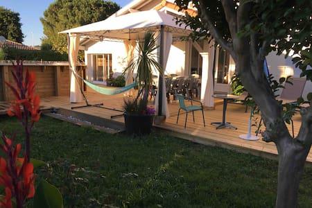 villa 11 pers. , Piscine chauffée, Pétanque, hamac