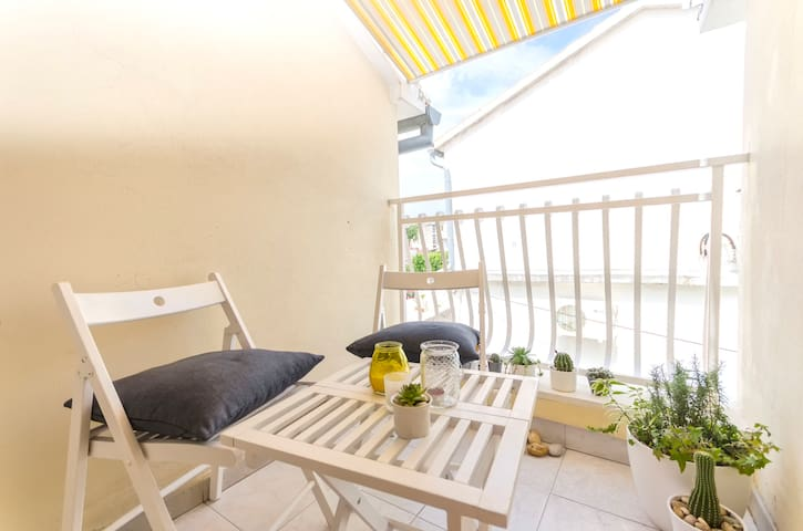 One bedroom House, 10m from city center, seaside in Vodice