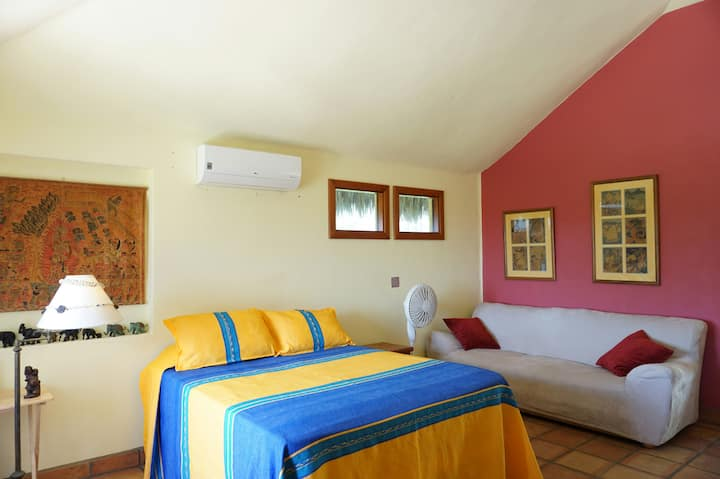 THE GUEST HOUSE -MOUNTAIN VIEWS-