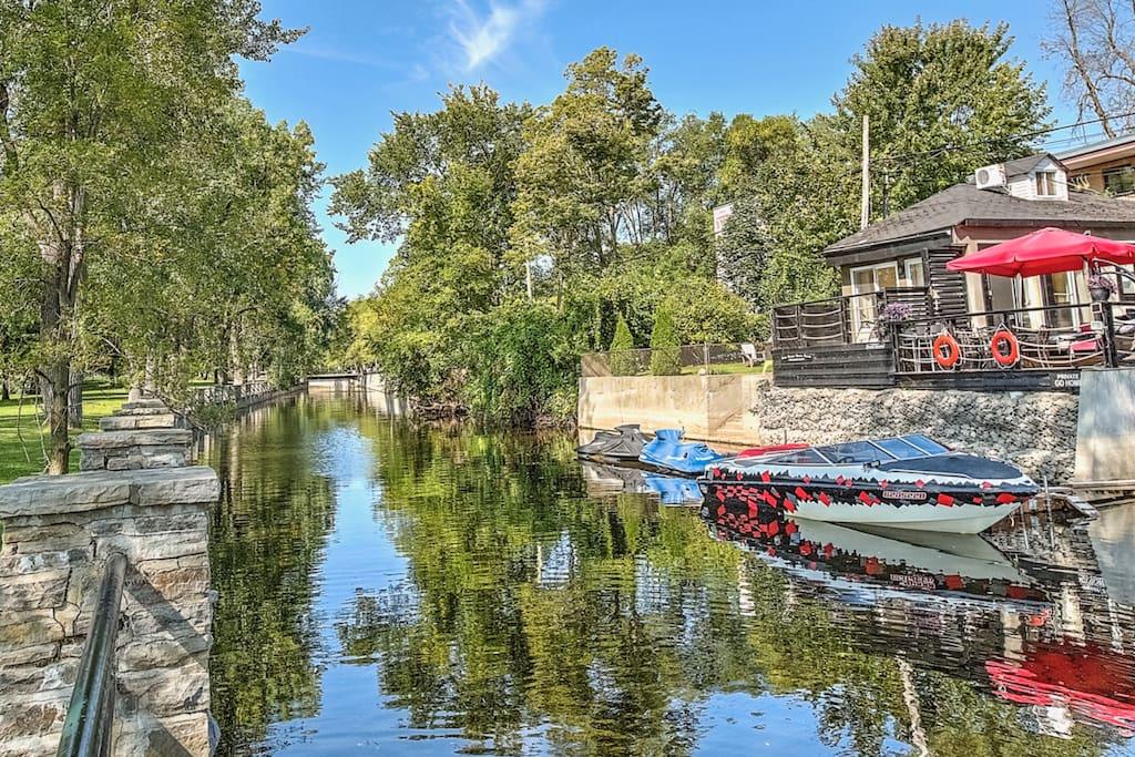 Vue du canal et boat-house