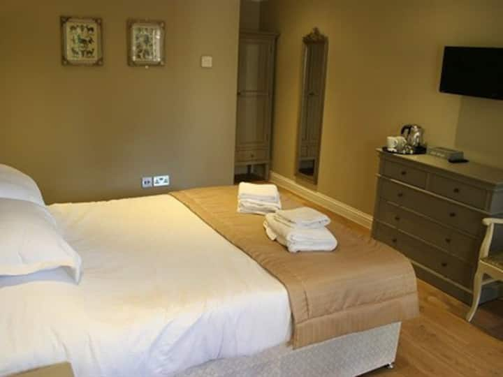 Double Ensuite Room @The Sun Inn