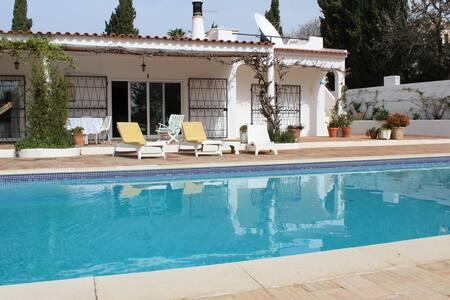 Fantastic villa by Meia Praia beach and golf - Lagos - Hus