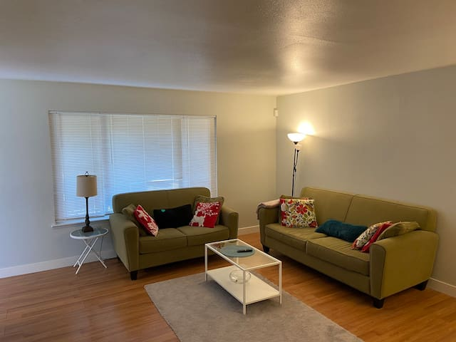 Cozy Home Minutes From Downtown Sacramento!!!