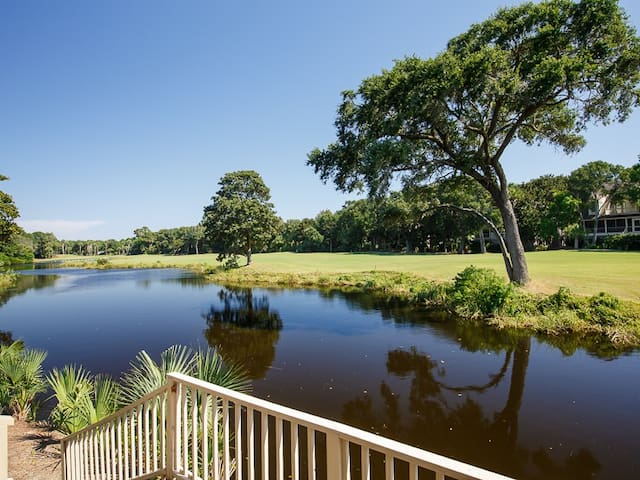 Book Soon For New Lower Rates On Kiawah Island! Short Walk to the Beach, Expansive Deck Looking Out Over the Quiet Lagoon and Green Fairways!