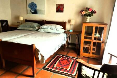 Room in Art Studio - Stanford - House