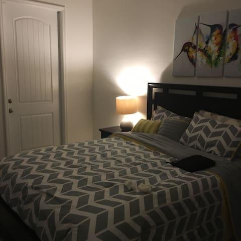 Cozy Men Cave To Relax After Work - Homestead - Lägenhet