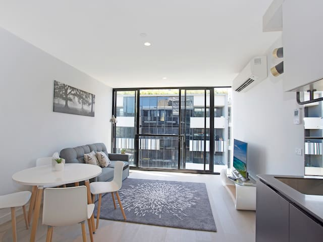 One of the Top Picks in Melbourne w Free Wifi - South Yarra - Apartemen