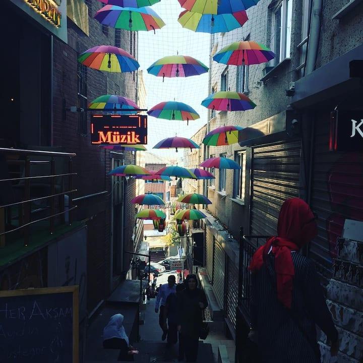 Colorful Suleymaniye streets
