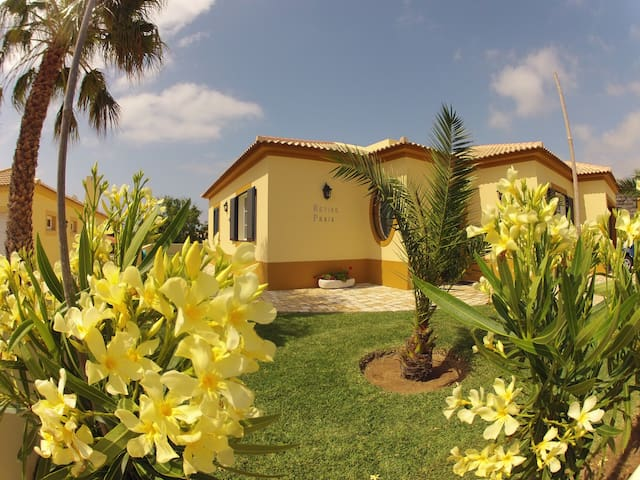 Villa 100 meters from the beach