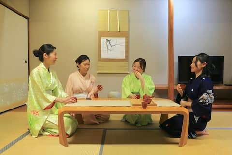 富士スピードウェイから車で7分の場所に位置する富士祥栄会館は、自然に囲まれたホテル