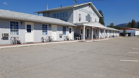 Countryside Inn 1 Bed + Kitchenette + Stove