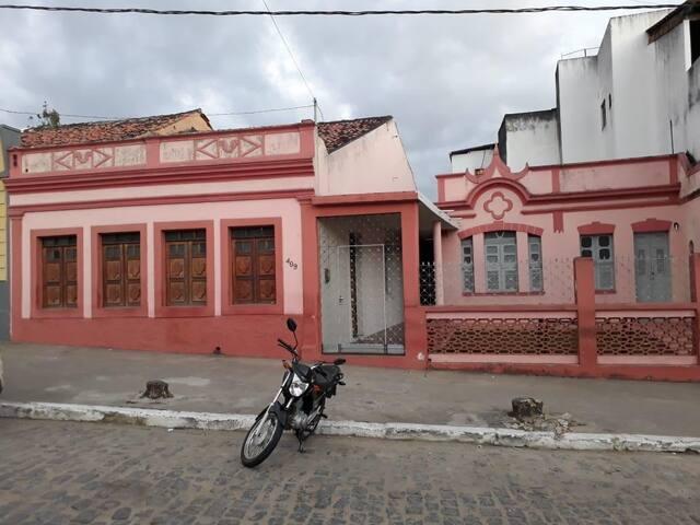 Casa no centro de Bananeiras-PB