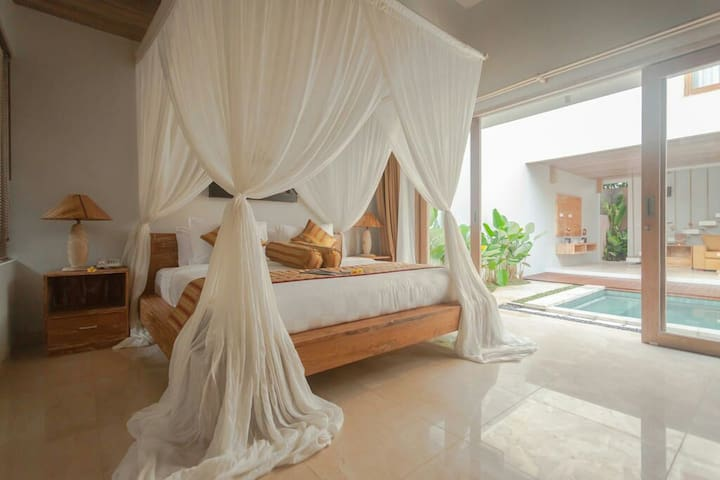 Hidden luxury villa+breakfast+free shuttle