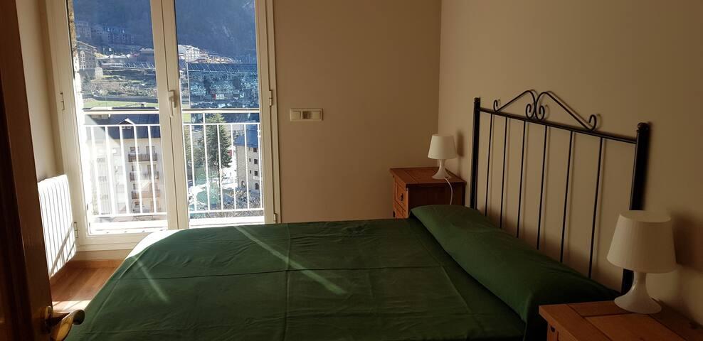 chambre 1 lit de couple