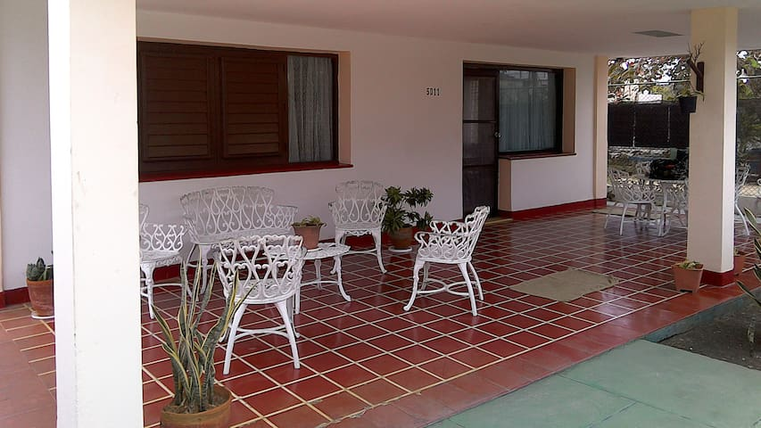 Morales house for rent. Guanabo - Havana - Huis