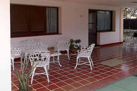 Morales house for rent. Guanabo - Hawana - Dom