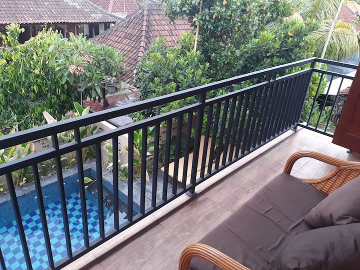 AthayaHomestay, Balcony1 ,PooL, Wifi ,Beach 7mnt!
