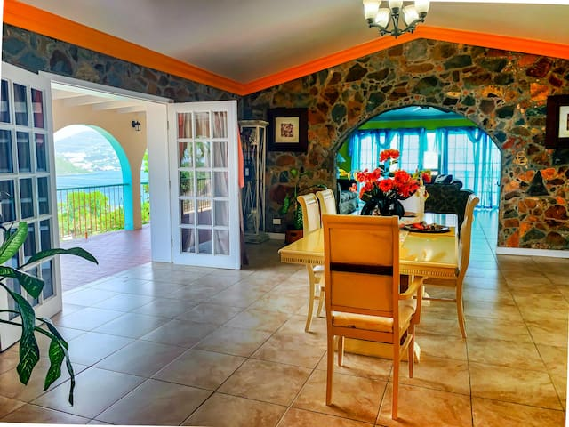 Asta Cruise Port Villas *Lower - Spacious 3 BR home, excellent location!
