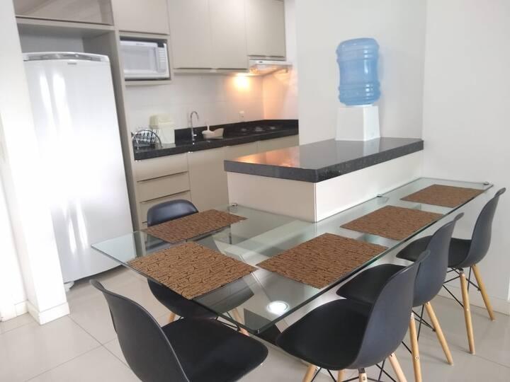 Apartamento 2 quartos Bombinhas Centro cod095