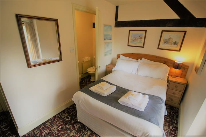 Single Ensuite Room @The Kings Arms