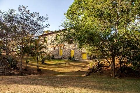 Casa de Pedra Serra da Canastra- Refúgio do Jatobá