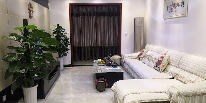汉中江景三居室舒适之家
