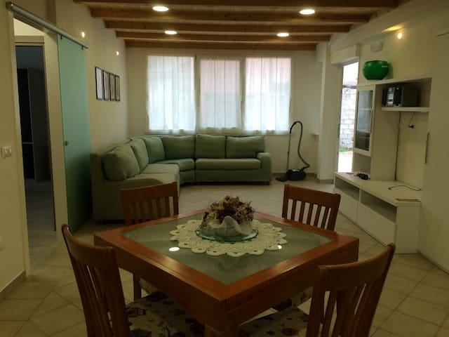 New double bedroom in quiet place - Nogara  - House