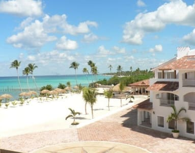 APARTMENT IN 5* OCEANFRONT RESORT - ISOTTA - Dominicus - Lejlighed
