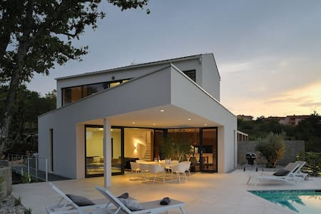 Stunning Modern Seaview villa  with  private pool - Klimno