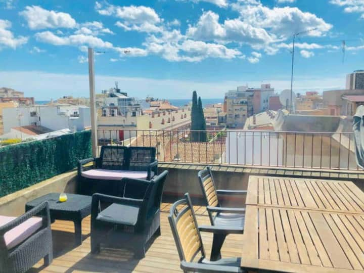 Great duplex, sea views, by metro to bcn center