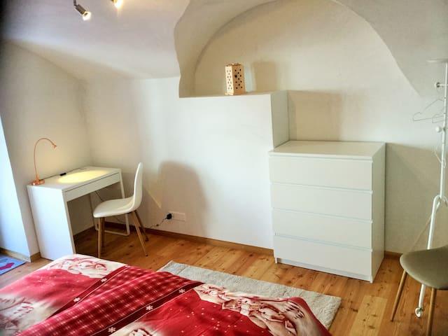"""Engadin Holidays - room """"Herzli"""" +eat-in kitchen"""