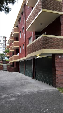 Sunny, family-friendly, clean unit - Kingsford - Appartement